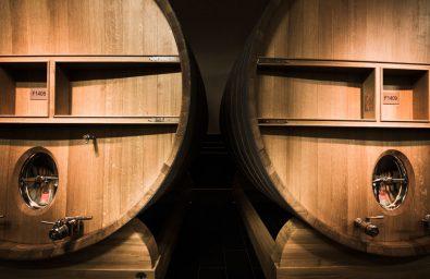 Chais Champagne Mumm Chais Champagne Mumm. La maison Mumm possède une superficie totale de 218 hectares dont 160 classés en Grands Crus. Le domaine couvre 8 terroirs d'exception parmi les plus réputés du vignoble champenois : Aÿ, Bouzy, Ambonnay, Verzy, Verzenay, Mailly pour le pinot noir, Avize et Cramant pour le chardonnay  Reims-France