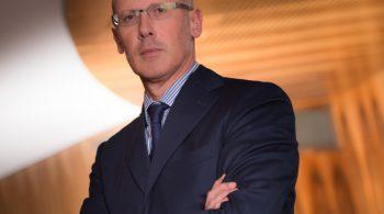 Portrait. Photo corporate Reportage en entreprise. Photo corporate.  Paris-France