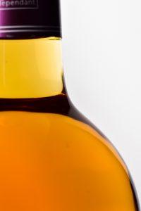 Packshot Bouteilles de vin Packshot bouteilles de vin, Séance photos en studio u à la propiété, dans le vignoble ou le château.  -